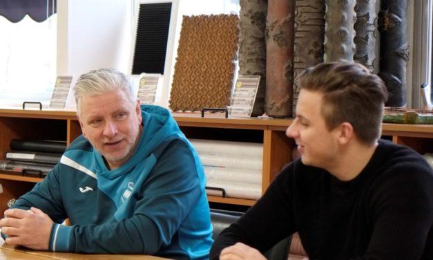 Vloeren Business Classics – Dubbelinterview met behangkoningen Kay en John van Zweden